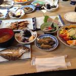 サンチョク鮮魚荒木 - 刺身定食 800円