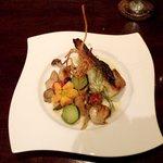クッチーナ イタリアーナ アミーチ - スズキと色々木の子のガーリック焼き(Bコース)