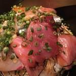 居肴家 OMOTENASHI 新橋 - 秋刀魚、サーモン、シマアジ、カンパチなど。柔めのご飯はしっかり固められ一部団子化してます