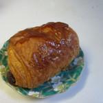 伊三郎製ぱん - パンオショコラ、中にチョコバーを包んだ定番のクロワッサンです。