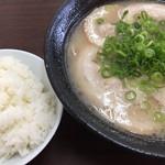 ふくの家 - チャーシュー麺=530円 めし 小=100円