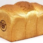 オーサムベーカリー - 一番人気の食パン