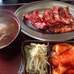 京城苑 - カルビ定食@850