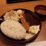 44330619 - ランチ ハンバーグとエビフライ定食