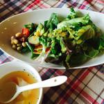 cafe しもん - セットのサラダ、スープ