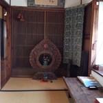 和さび - (2013年5月)大将が集めた骨董がさりげなく飾られてます。