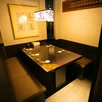 テーブル席(個室有り)
