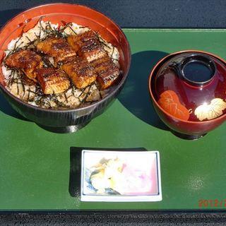 鰻丼…1,800円(通年ご注文いただけます)