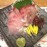 魚や一丁 - 本日のおすすめ!目鯛の刺身。 鯛という名はついているが鯛ではない⁉️