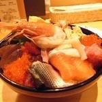 芝大門 鮨まとり - 激盛海鮮丼:しゃり大盛り無料