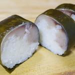 いづ重 - 鯖寿司