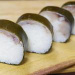 いづ重 - 料理写真:鯖寿司