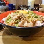 44357365 - 生姜焼き丼(大)+ライス大盛880円