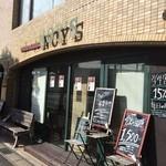 アジアン カフェ NOY'S - レンガ風の建物です。