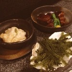 あしびなー - 自家製ジーマミ豆腐380円 海ぶどう620円 ラフティー620円 二人で4470円