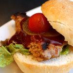アメリカンダイナー・バー&グリル - レディースランチのキュートなミニバーガー。可愛い!