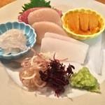 料理屋ENAKA - (2015年4月)富山の白えび、アオリイカ、平貝、中トロ、ウニ! どれもいいもの使ってます。中でも富山湾の白えびは絶品ですね!濃厚な甘さが後を引きます。