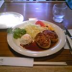 レストラン アーサー - 本日の日替わり\760(税込)チキンハンバーグ・しょうゆソース味、カップスープ付