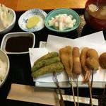 串ぜん - お昼の串定食 ¥680
