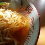 かど屋食堂 - 麺ははすぬま風なのですが、ふわっとした舌触りが好印象。