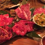 孫三郎 - 単品で追加注文したお肉たち。特上のお肉のレベルはとても高いと思います