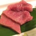 44380166 - ◆極旨とろけるホットなお肉のお造り