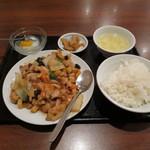 旭家 - 若とりピリ辛炒め