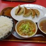くるまやラーメン - (2015/9月)「もつ煮・ぎょうざ定食」