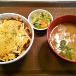 すき家 港北NT店 - チーズ牛丼(豚汁お新香セット)