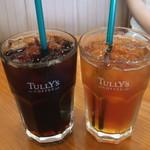 タリーズコーヒー - ドリンク写真:水出しアイスコーヒー(S)とアイスティー(S)