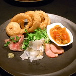 URGE - お得コース全5品¥3000(税別)の前菜5種盛り 写真は2人分☆♪