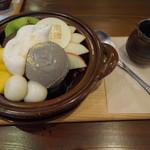 44399337 - 黒糖茶房鍋ぱふぇ
