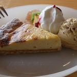 スィート・ドゥ・バラック・カフェ - ケーキセット(カマンベールチーズケーキ)