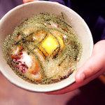 首里乃家 - プチ海ぶどう丼。一口食べて、総毛立ちました。未知の食感、未知の味わい。絶品。