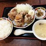 双喜亭 - 鳥から定食680円