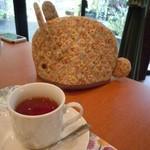アブリ ラ フォレ桜亭 - サクラ紅茶:ほのかなサクラ風味がいい