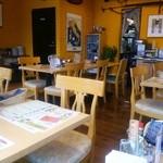 ラ・パペリーナ - 昼間の店内