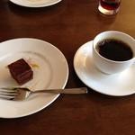 ラ・メーラ - ランチのドルチェ。手づくりらしいチョコケーキ。
