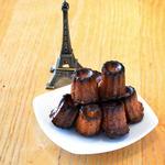 クリ ド コック - カヌレはフランス産百花蜜を使った当店のスペシャリテ