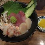 山野屋 - セットメニューの海鮮丼