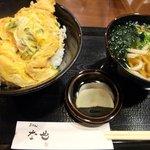 うどん な也 - 天とじ定食ミニうどん付き(800円)