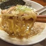 中華そば ムタヒロ 大阪福島店 - ワハハ煮干そば(750円)麺リフト