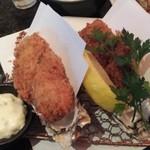 とんかつ マンジェ - 普通サイズの「カキフライ定食」アップ。(1390円込み)(2015年11月)