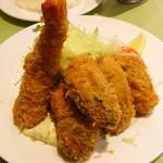 七條 - 牡蠣と海老フライ
