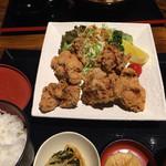 くぬぎ庵 - 料理写真:唐揚げ定食と天丼