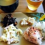 西焼津セントラルホテル - 料理写真:無料朝食例…各自適量をとります
