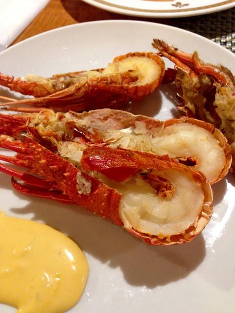 ブラッセリー 「ザ・テラス」 ヒルトン名古屋 - 食べ放題のロブスターは、、、ちびっ子でした(笑)