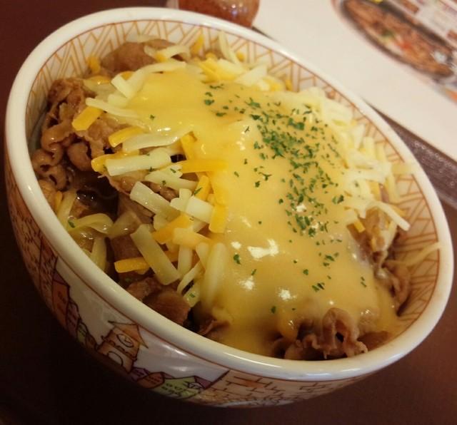 「牛丼チーズつゆだく丼」の画像検索結果