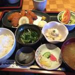 しゃかりき - 料理写真:牡蠣フライ定食