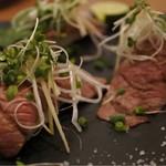 肉屋うたがわ2 - 特製和牛ざぶとんの牛とろ寿司